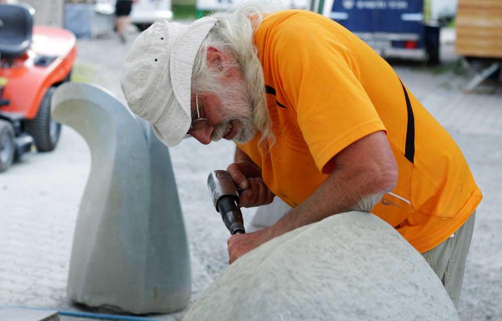 Bildhauer am Naturstein