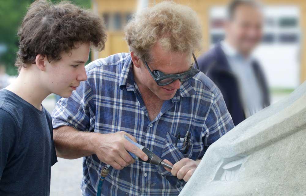 Steinbildhauer Ulrich Mosandl mit Sohn Vinzenz