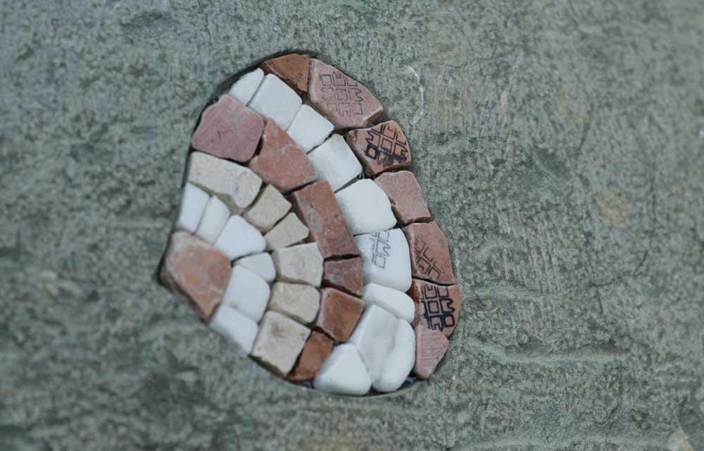 Schuppen aus Mosaik