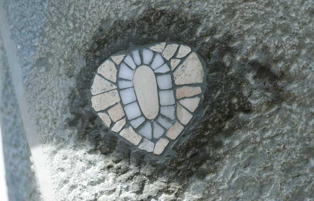 Das Mosaik muß noch trocknen