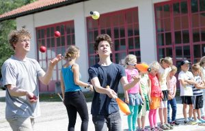 Bildhauer jonglieren